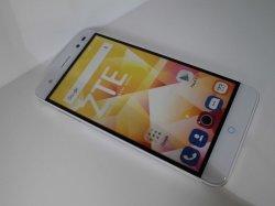 画像1: ZTE BLADE V7 Lite モックアップ