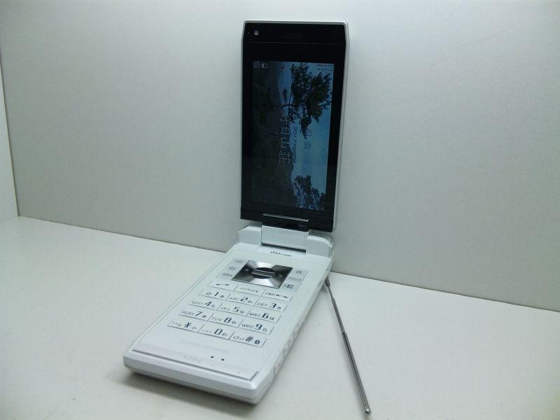 au T004 REGZA Phone ホットモッ...